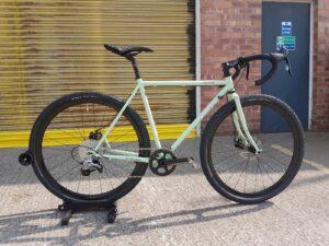 Surly straggler 1 x, surly stragger U.K., surly dealer, surly bikes