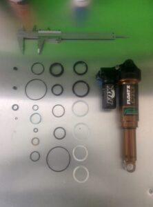 Piggyback v non piggyback shocks, mtb suspension servicing, lancashire, mtb shock service